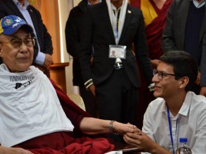 Luis Bruzual, egresado de Lidera 8, sostuvo un encuentro con el Dalai Lama